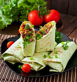 Burritos wraps with minced beef and vegetables — Stock Photo