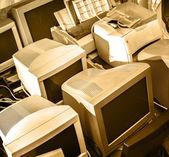 Stare monitory komputerowe — Zdjęcie stockowe