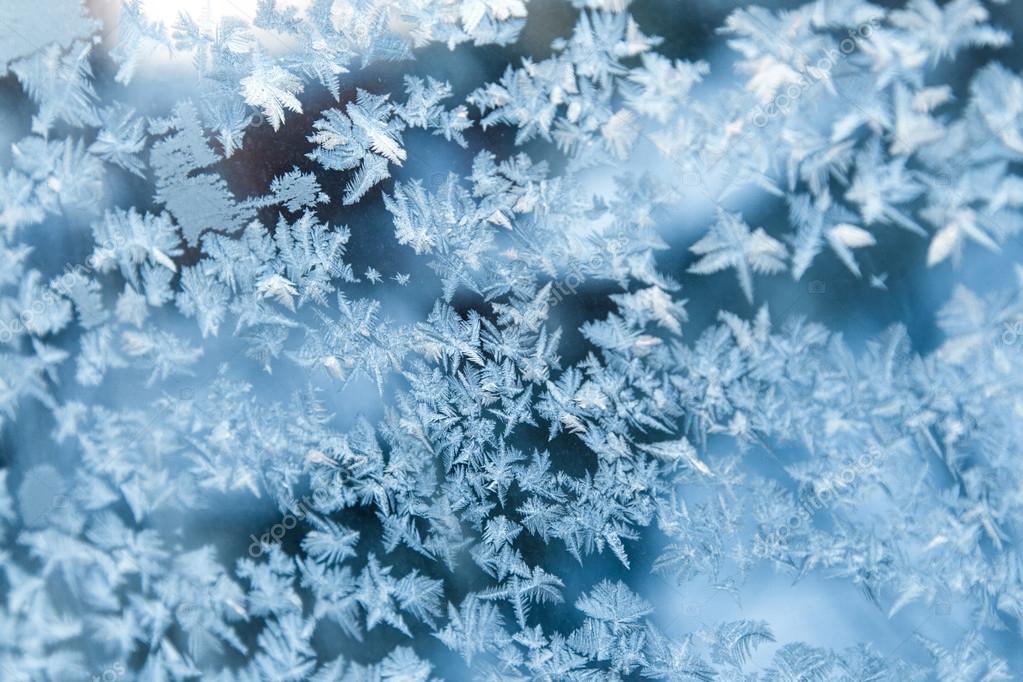 有光泽的冬天冰窗花