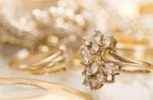 Gold jewelry — Stock Photo