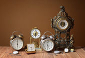 Old clocks, alarm clocks and handheld clocks — Stock Photo
