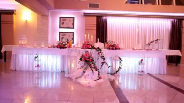Decoration of restaurant on wedding day — Stock Video