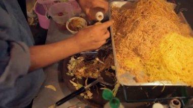 Food vendors on Khao San Road — Stock Video