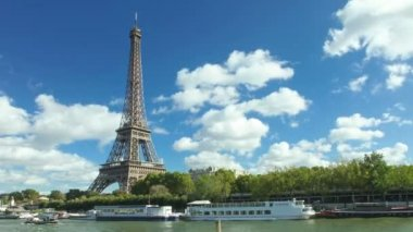 Seine river and eiffel — Stock Video