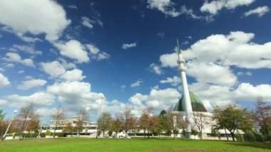 Clouds passing over the Mosque of Zagreb — Stock Video
