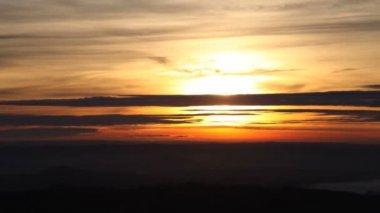 Sunset behind orange clouds — Stock Video