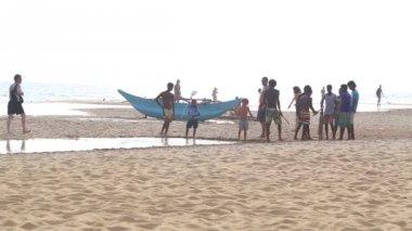 View of Hikkaduwa beach — Stock Video