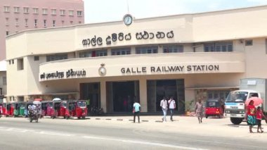Traffic in Galle — Stock Video