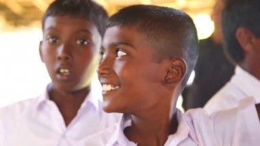 School boys visiting Kosgoda turtle hatchery — Stock Video