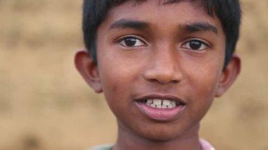 Portrait of local school boy in the foothills of Ella — Stock Video