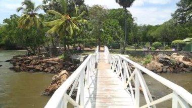 Bridge over river in Galle — Stock Video