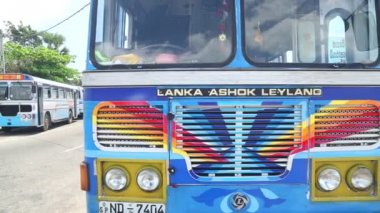 Bus in Galle — Stock Video