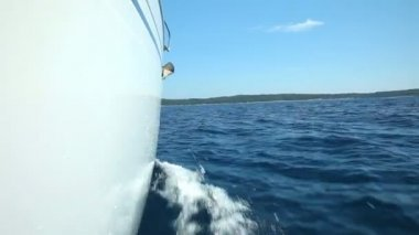 Moving sailing boat on Adriatic sea — Vídeo Stock