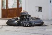 Cumil The Watcher statue in Bratislava — Stock Photo