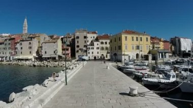 Rovinj on the coast of mediterranean peninsula — Stock Video