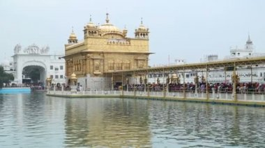 Golden temple in Amritsar — Stock Video