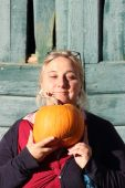 Smiling lady gourd — Stock Photo
