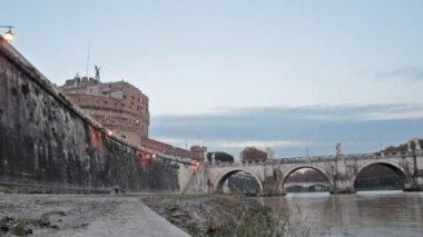 在罗马的台伯河岛 — 图库视频影像