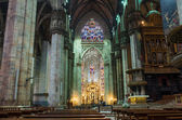 Interior of Duomo (Cathedral) in Milan — Foto de Stock