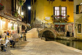 Night view of canal in Venice — Photo