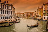 Sunset view of Grand Canal with gondolas in Venice — Stok fotoğraf