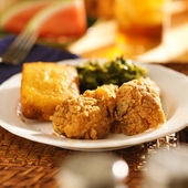 Fried chicken with collard greens — Stock Photo