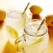 Lemonade in mason jars — 图库照片