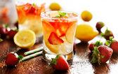 Strawberry lemonade — Stock Photo