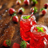 Red strawberry cocktail — Stockfoto