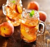 Peach tea in a jar — Foto Stock