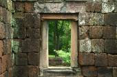 Ancient door in the ancient castle religious buildings construct — Stock Photo
