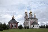 Church of Saint Archangel Michael and Church of Saint Frol and Pavel. Suzdal, Golden Ring of Russia. — Stock Photo