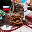 Christmas various gingerbread cookies, cakes, cupcakes. — Stock fotografie #59397273