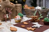 Christmas various gingerbread cookies, cakes, cupcakes. — Stock Photo