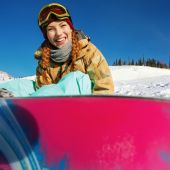 Portrait of young snowboarder girl — Stock Photo
