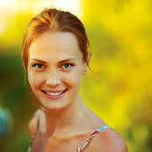 Portrait close up of young beautiful woman — Stock Photo