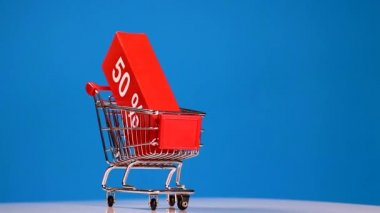Rolling shopping cart,sale concept — Stock Video