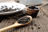 Tea and tea leaves — Stock Photo