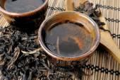 Tea and tea leaves — Stock Photo