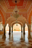 Interior fragment of City Palace in Jaipur — 图库照片