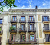 Facade of typical residential building in  Eixample district, Barcelona, Spain — Stock Photo