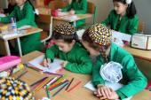 Ashgabat, Turkmenistan - November 4, 2014 A group of students at — Stock Photo