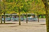 Treno turistico nel Parco della Reggia di Versailles — Foto Stock