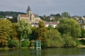 France, the picturesque city of Triel sur Seine  — Stock Photo