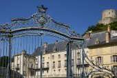 France, the picturesque castle of  La Roche Guyon — Stock Photo