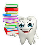 Teeth character with Books pile — Stockfoto