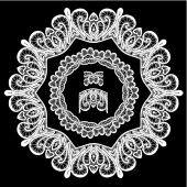 Round Frame - floral lace ornament - white on black background.  — Stock Vector