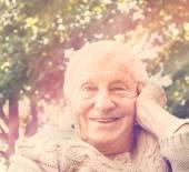 Senior woman with happy smile — Stock Photo