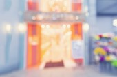 Blurred shopping mall store front — Stock Photo