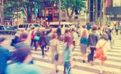 People crossing the street outside Tokyu Plaza — Stock Photo